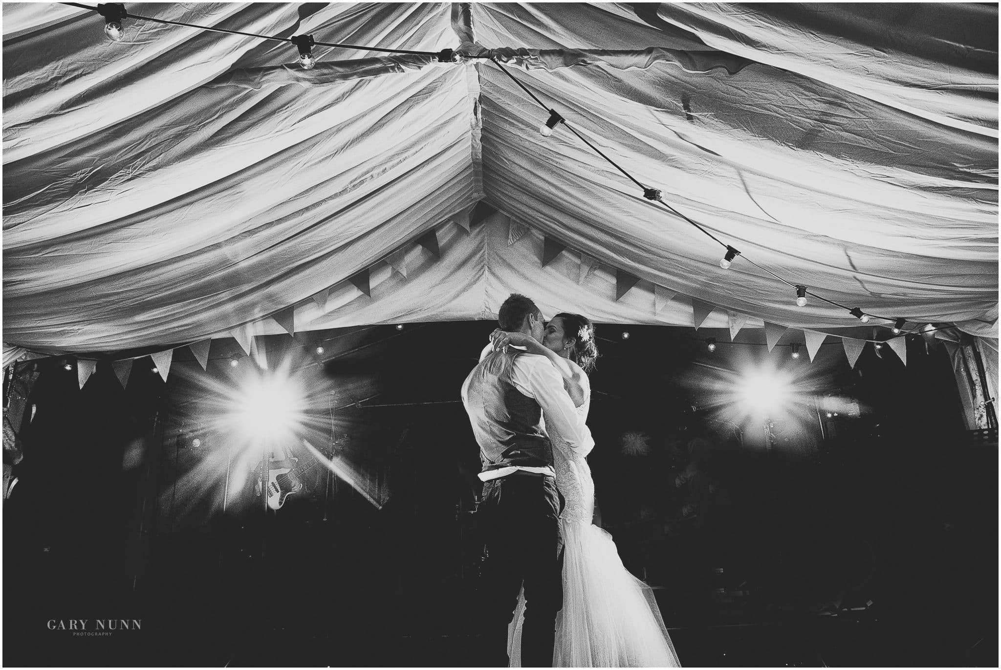first dance, wedding photo checklist, photographer milton keynes