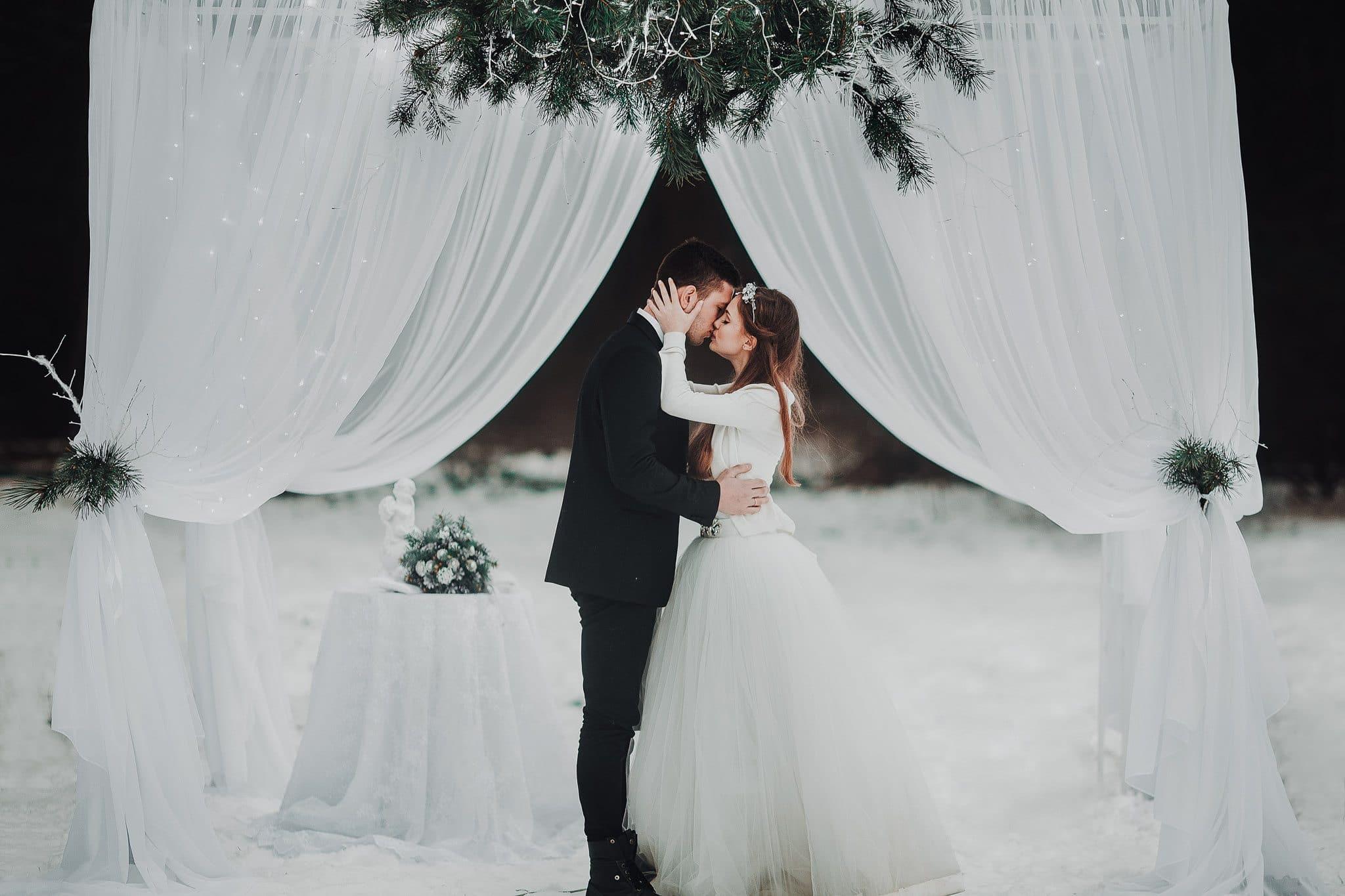 have a winter wedding, wedding photographer milton keynes