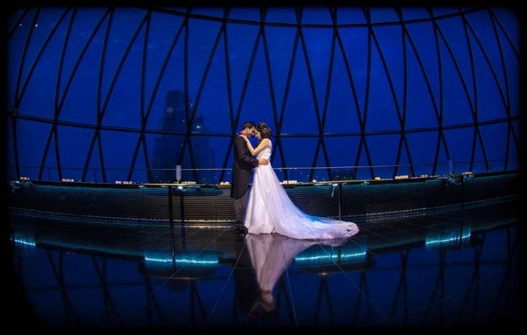 cotswolds wedding photographer, Searcys-The-Gherkin-weddings-london